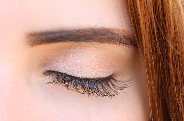 ad2706ccc94 Having thick, beautiful, dark, long eyelashes is something that not  everyone is born with. Sometimes, we have to work to get thicker and longer  lashes! The ...
