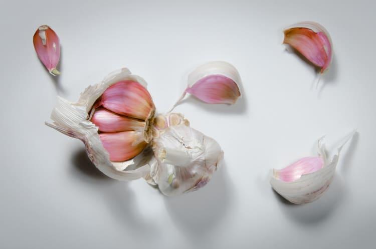 benefits of garlic shampoo