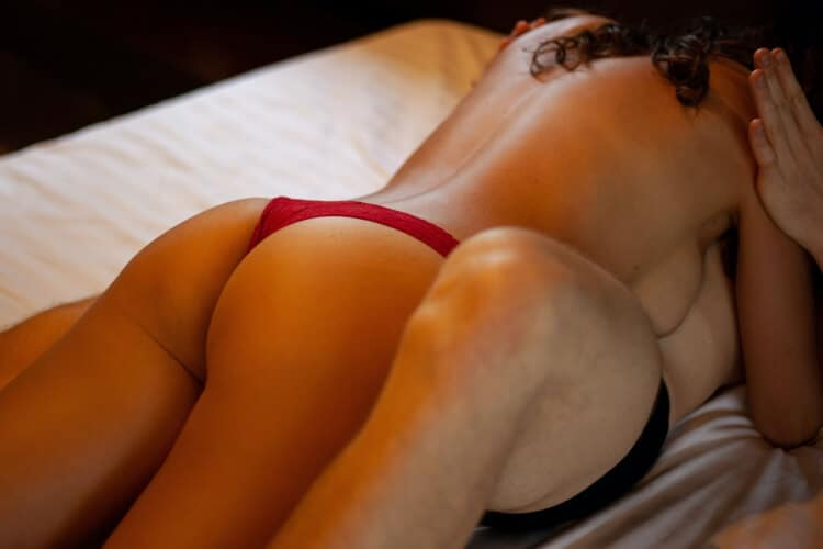 sexy fun things to do in the bedroom